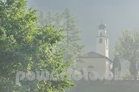 Andeer 9433-001-451x300 in Kirche Andeer