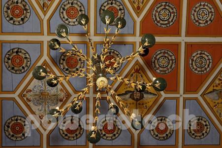 Vella DetailKirche 4957-048-451x300 in Kirche Pleif Vella